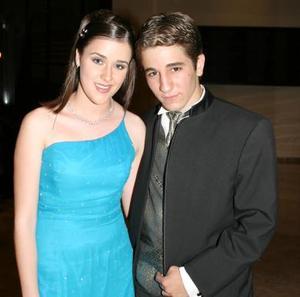 Marissa Navarro del Colegio Pereyra junto a su pareja Karim Fayad