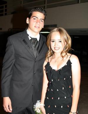 Luisa Viesca del Colegio Los Alpes junto a su acompañante Eduardo Jaidar