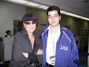 La actriz Helena Rojo regresó a la Ciudad de México y fue despedida por Carlos Velásquez.