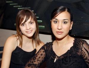María Raquel Aguilar y Sofía Cueto.