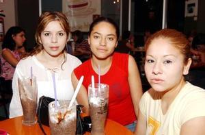 Katy de Anda, Yissa Ramírez e Isela Lira.