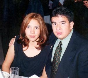 Brenda Hernández Velazco y Héctor Manuel Montoya Espinoza contrajeron matrimonio el 03 de abril de 2004.