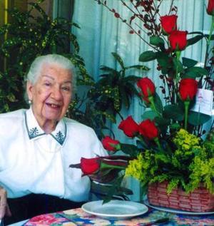 Doña Virginia Leal Dávila de Morales celebró sus 99 años rodeada de sus familiares