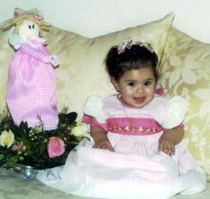 <u> <b> 01 de abril </u> </b> <p> Karime Alheri Preciado Serrano captada en su festejo de cumpleaños.