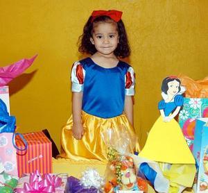 <u> <b> 03 de abril </u> </b> <p> Sofía Espinoza Carrillo festejó su cumpleaños con un divertido convivio infantil.