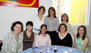 Claudia de Von Bertrab, Consue Llamas, Paulina de Medrano, Camis de Castillo, Vero de Navarrete, Gaby de Aparicio, Claudia de Treviño y Mirna Mafud, fueron captadas en recientemente festejo social.