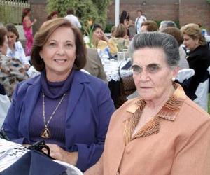 <u><b>05 de abril </b></u> <p> Graciela de Portillo y Lucía Fernández.