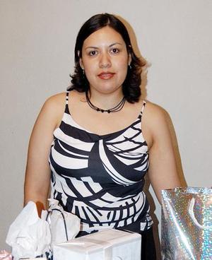 Adriana Karina Ramírez Estrada fue despedida de su soltería con una divertida fiesta