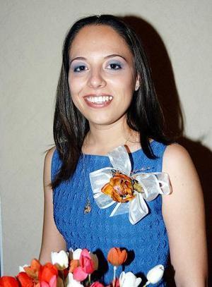 <u><b>04 de abril </b></u> <p>  Señorita Carmen Cabral Siller, captada en su despedida de soltera.