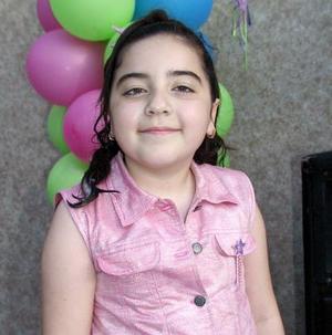 <b><u>06 de abril </b></u><p>  Regina Villarreal festejó su cumpleaños en días pasados acompañada de sus amigas