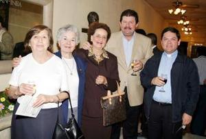 <u><b>07 de abril </b></u> <p>   Yolanda Félix, Gerarda Rivera, Maruca de Papadópulos, Nico Papadópulos y el Pbro. Armando Serna.