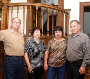 Eduardo Ruiz y Ofelia Ruiz, María del Carmen Reyna de Ruiz y Jesús Ruiz Marmolejo.
