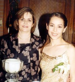 Claudia Robles y Yolanda Heimpel de Robles