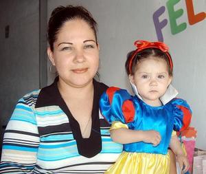 Christian Yomari Serrano  Ávila el día en que festejó su primer cumpleaños junto a su mamá Mary Cruz Ávila de Serrano