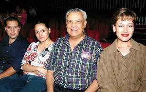 Carlos Macías, Silvia Espinoza, Guillermo y Alma Espinoza