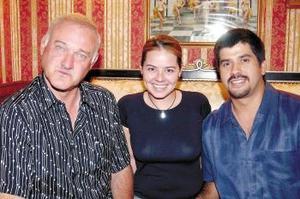 Richard Massone, Zahira Guadiana y Carlos Flores