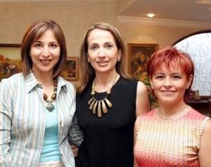 <u><b>12 de abril </b></u><p> Yolanda de Trasfí, Carmen de Hermosillo y Martha de Campos