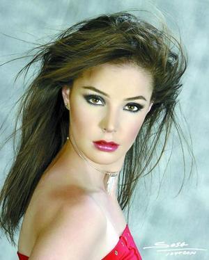 <b><u> 10 abril </b></u><p>  Srita. Ana Luisa Portales Osete en una fotografía de estudio, es hija de los señores Arnulfo Portales Castanedo y Ana Luisa Osete de Portales