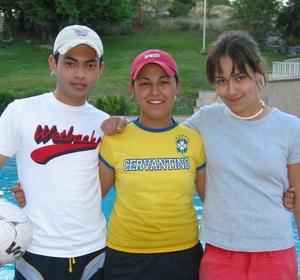 Daniel Morado Acosta, Pamela Ontiveros Urbina y Elba Cervantes López, se divirtieron a lo grande.