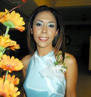 Miriam Soraya Mendoza Soto fue despedida de su solterìa en días pasados, por su próxima boda con Mario César Ramos López.