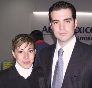 <b> <u> 14 de abril </b></u>  <p> Hécyor Faya fue despedido por Pamela Rodríguez, antes de viajar al Distrito Federal.