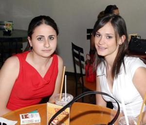 Karen Giacomán y Mary Carmen Fernández.