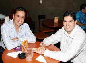 El alcalde Guillermo Anaya Llamas y el diputado Jesús de León.