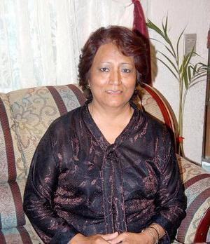 <u><b>15 de abril </b></u><p>  Dora Hernández de Lozoya celebró su cumpleaños en días pasados.