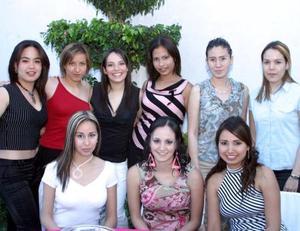 Con motivo de su cercano enlace nupcial, Mónica Eugenia Martínez Zepeda recibió numerosas felicitaciones de sus amistades..