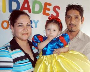 Christian Yomari Serrano Ávila festejó su primer cumpleaños, con un divertido convivio infantil organizado por sus papás, Mary Cruz Ávila de Serrano y Omar Serrano Rodríguez.