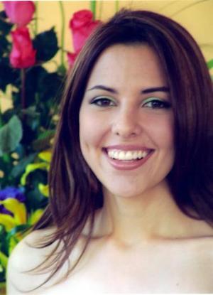 Bella lució Mónica Martínez Tatay, en su primera despedida de soltera.