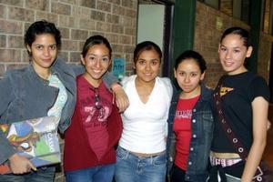 Priscila Hernández, Karla Macías, Danais Garibay, Rosy del Río y Pamela Navarro.