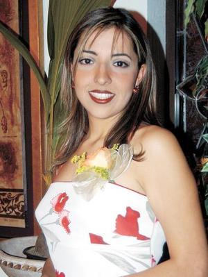 Con motivo de su cercano enlace matrimonial, le ofrecieron su primer despedida de soltera a la señorita Montserrat Gaucín Hernández.
