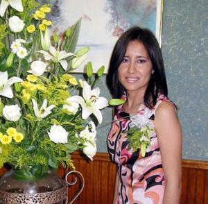 <u><b>17 de abril </b></u> <p>  Yaquelin González Chimal, en su festejo prenupcial.