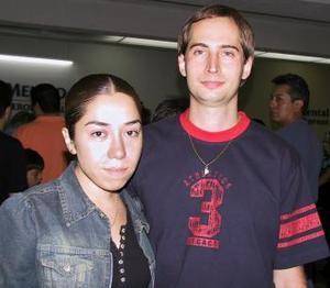 Claudio Salafica regresó a Argentina y fue despedido por Claudia Valdez.