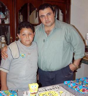 Benjamín Adrián Ortiz Sánchez festejó su décimo cumpleaños acompañado por su papá, Eduardo Ortiz Martínez y numerosos amiguitos.