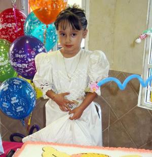 Dana Borrego recibió numerosos obsequios, con motivo de su tercer cumpleaños.
