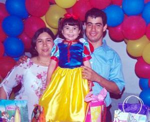Liliana Daniela celebró su tercer cumpleaños con un festejo infantil ofrecido por sus papás, José Alberto Acosta Martínez y Blanca Sánchez de Acosta.