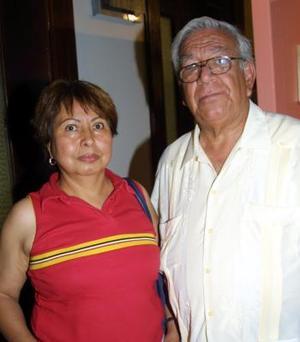 María Caleano de Martínez y Fernando Martínez.