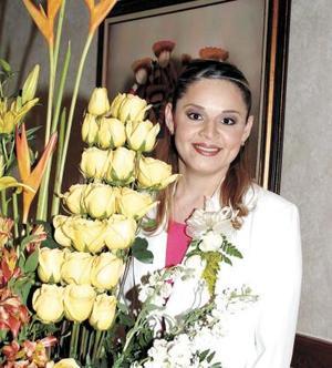 <u><b>19 de abril </b></u> <p> Juanis Rodríguez Solís recibií sinceras felicitaciones de part de familiares y amistades en su primera despedida de soltera