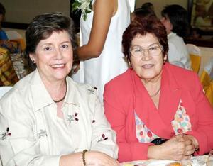Gudelia Zepeda y MArtha de Aguirre.