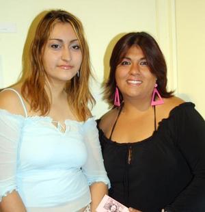 Joana Salmón y Cynthia Chaudary.