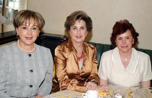 Magaly Necochea, Peggy de Isasi y Queta de Izaguirre.