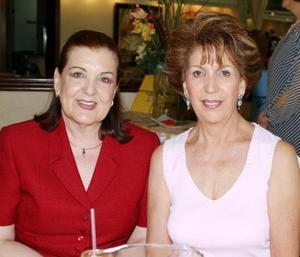 Rosa de Granados y Josie Reynoard de Iriarte.