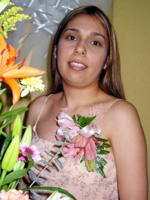 Araceli del Rocío Orante Miranda, captada en la despedida de soltera que se le ofreció por su próximo matrimonio.