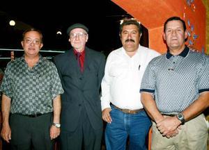 Alfonso Macías, Sergio Brlanga, José Villarreal y Cándido García en su tradicional comida del Club Sembradores de Torreón.