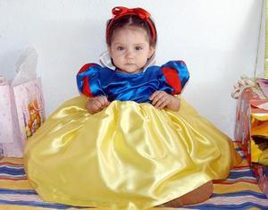 Christian Yomari Serrano Ávila celebró su primer cumpleaños con una agradable convivio infantil, en el cual recibió numerosos obsequios de sus amiguitos.