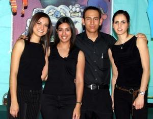Ana Rosa Pérez, Lizeth Giacomán, Iván Macías y Zaida Facuseh.