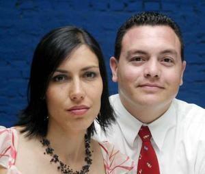 Ana Sofía A. de Rosales y Manuel Rosales en pasado festejo social.