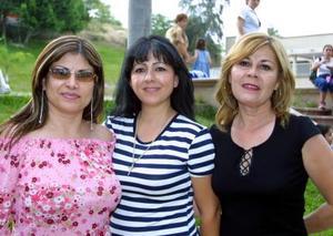 Camy de González, Karla de Gómez y Carolina de Gómez.
